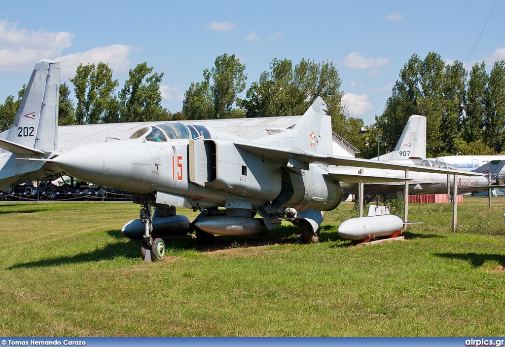 15, Mikoyan-Gurevich MiG-23UB Flogger C, Hungarian Air Force