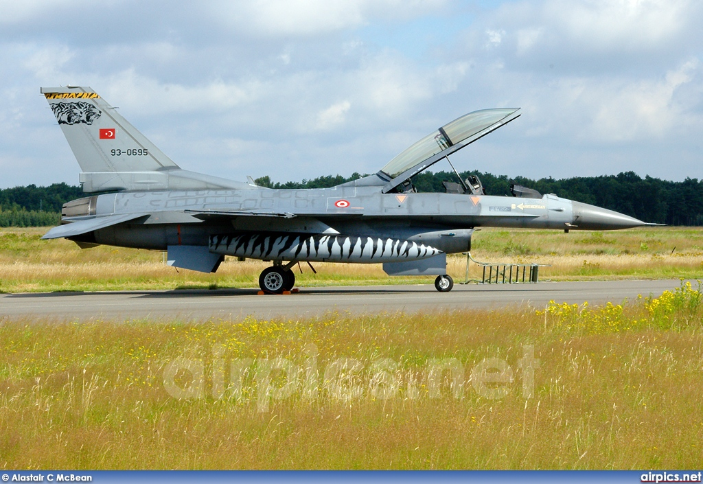 93-0695, Lockheed F-16D Fighting Falcon, Turkish Air Force