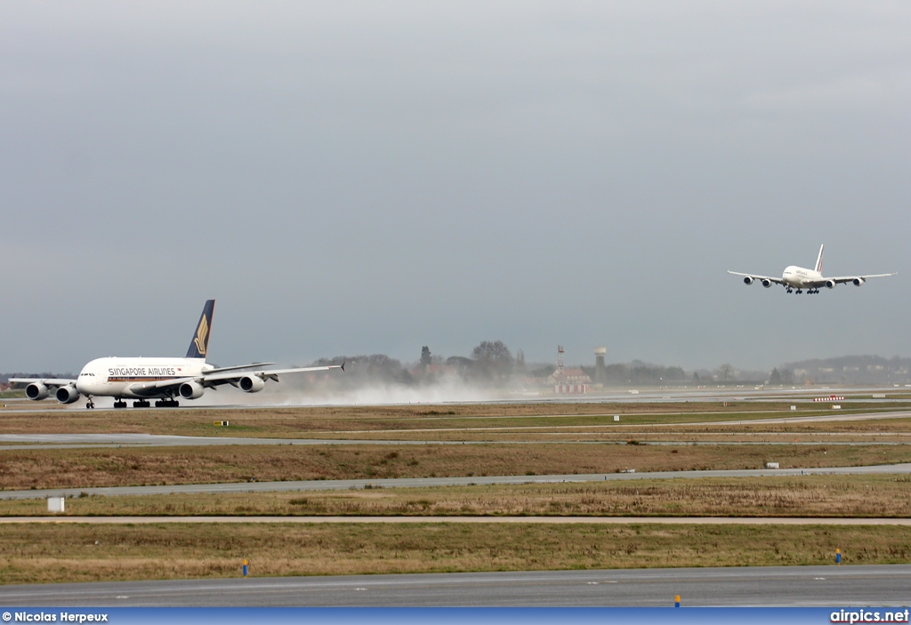 9V-SKD, Airbus A380-800, Singapore Airlines