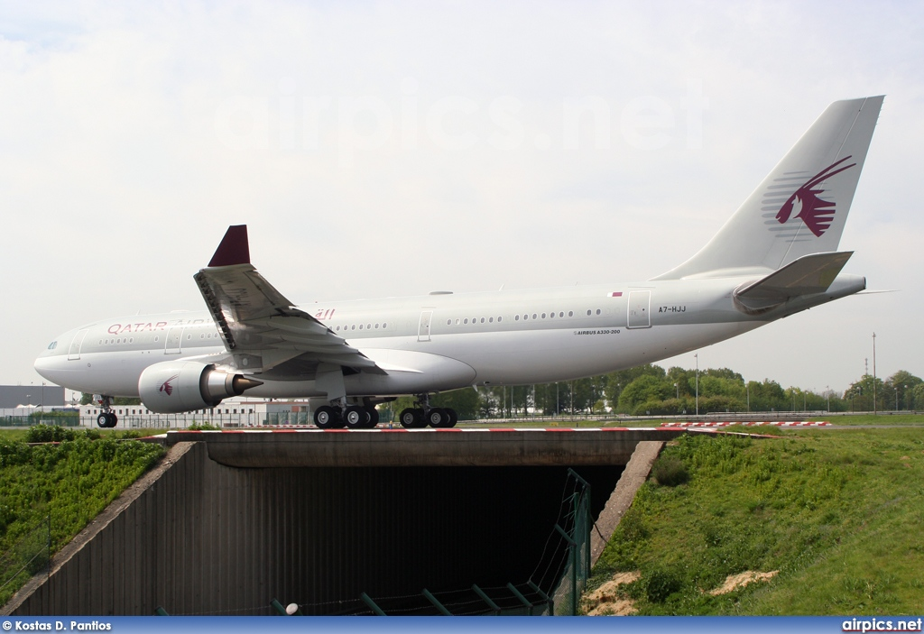 A7-HJJ, Airbus A330-200, Qatar Airways