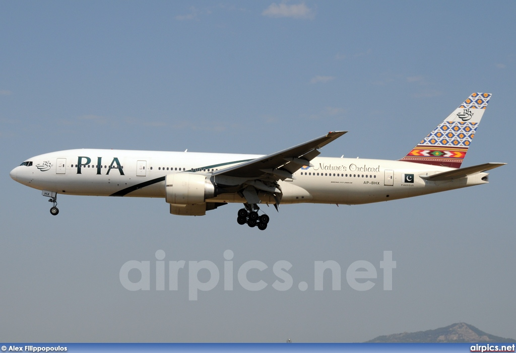 AP-BHX, Boeing 777-200ER, Pakistan International Airlines (PIA)