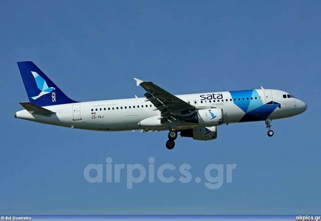 CS-TKJ, Airbus A320-200, SATA International
