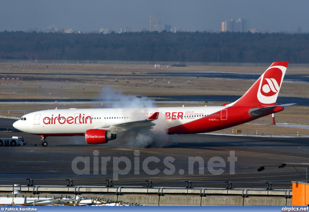 D-ALPJ, Airbus A330-200, Air Berlin
