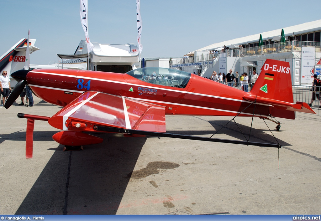 D-EJKS, Extra 300-S, Private
