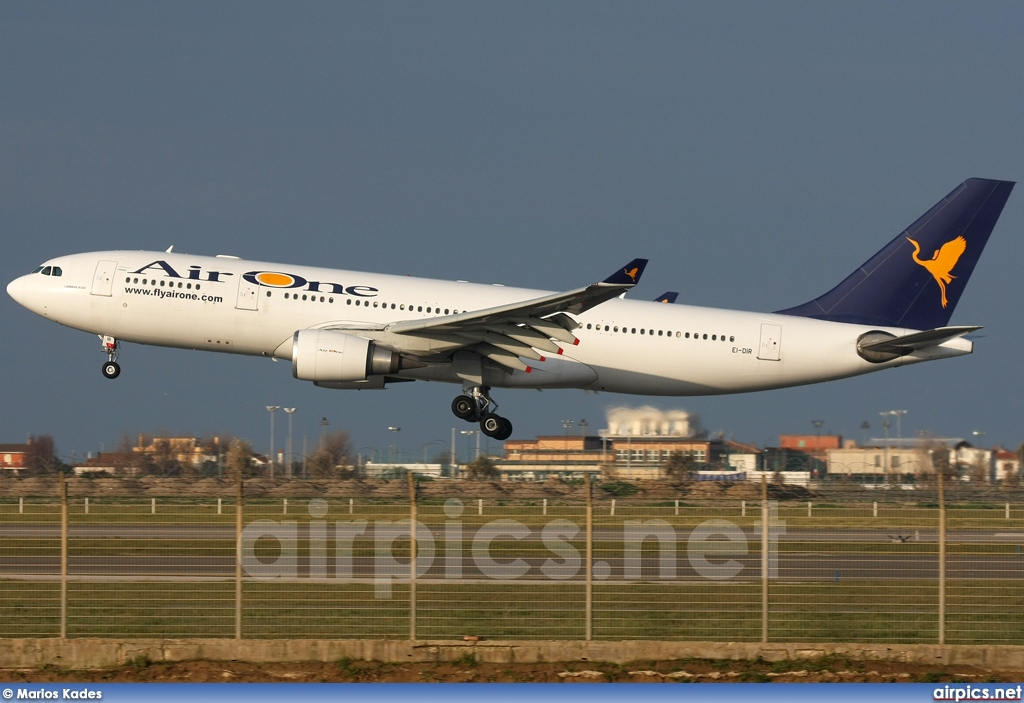 EI-DIR, Airbus A330-200, Air One