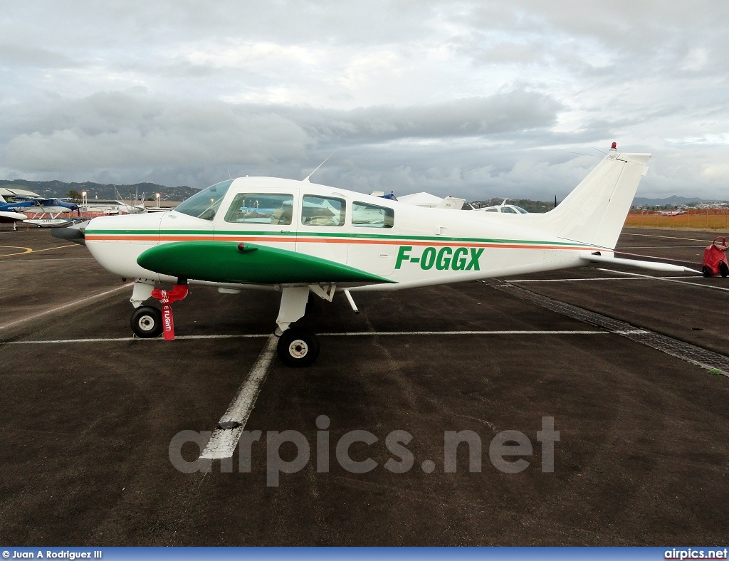 F-OGGX, Beechcraft C23 Sundowner, Private