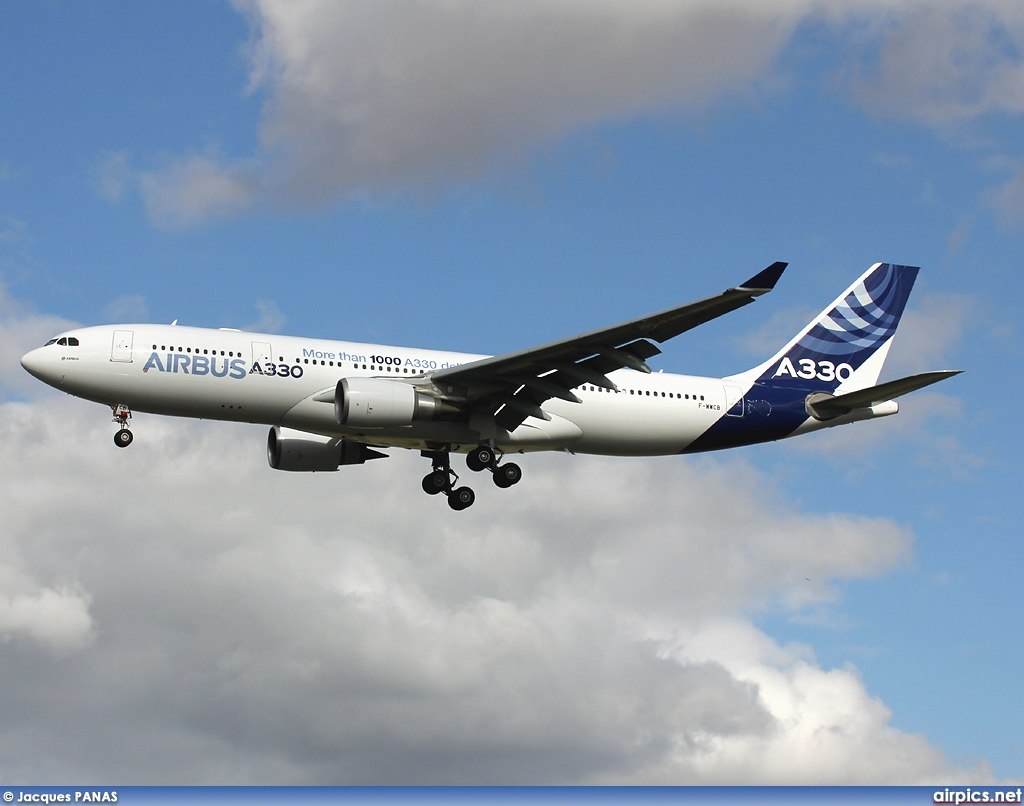 F-WWCB, Airbus A330-200, Airbus Industrie