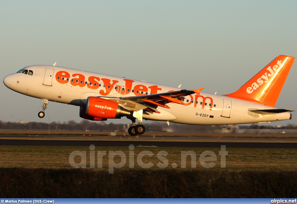 G-EZDT, Airbus A319-100, easyJet