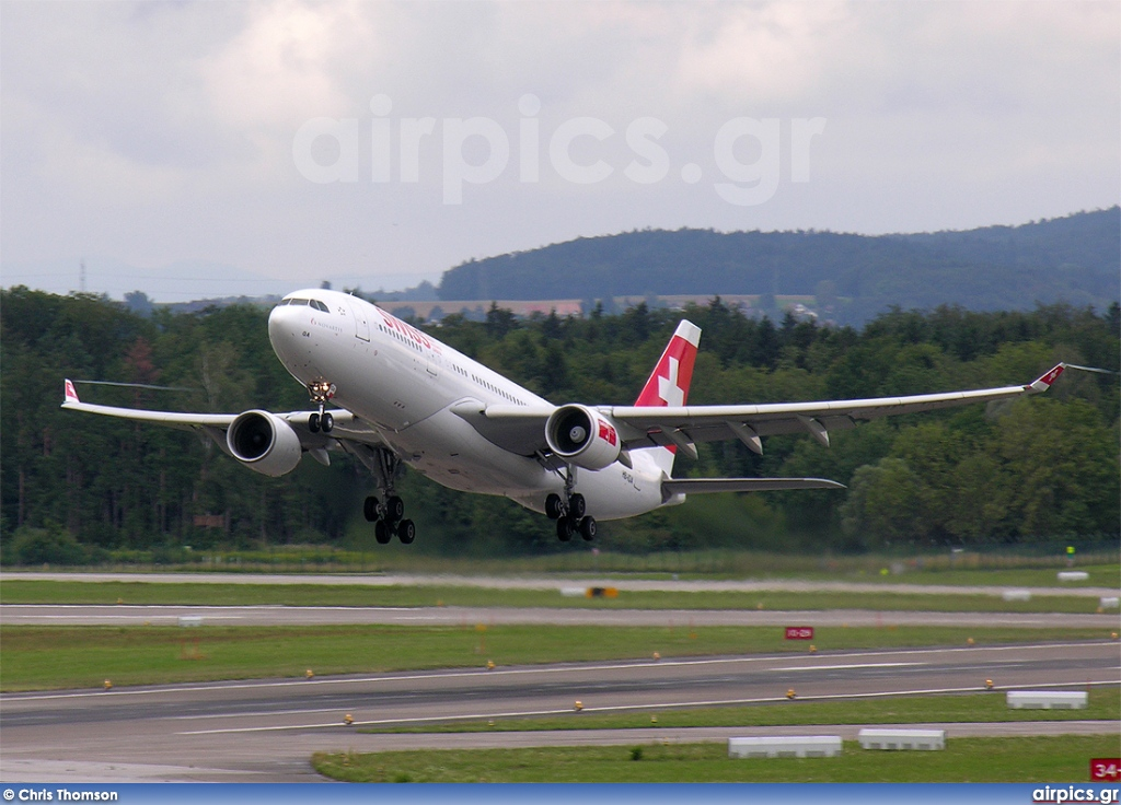 HB-IQA, Airbus A330-200, Swiss International Air Lines