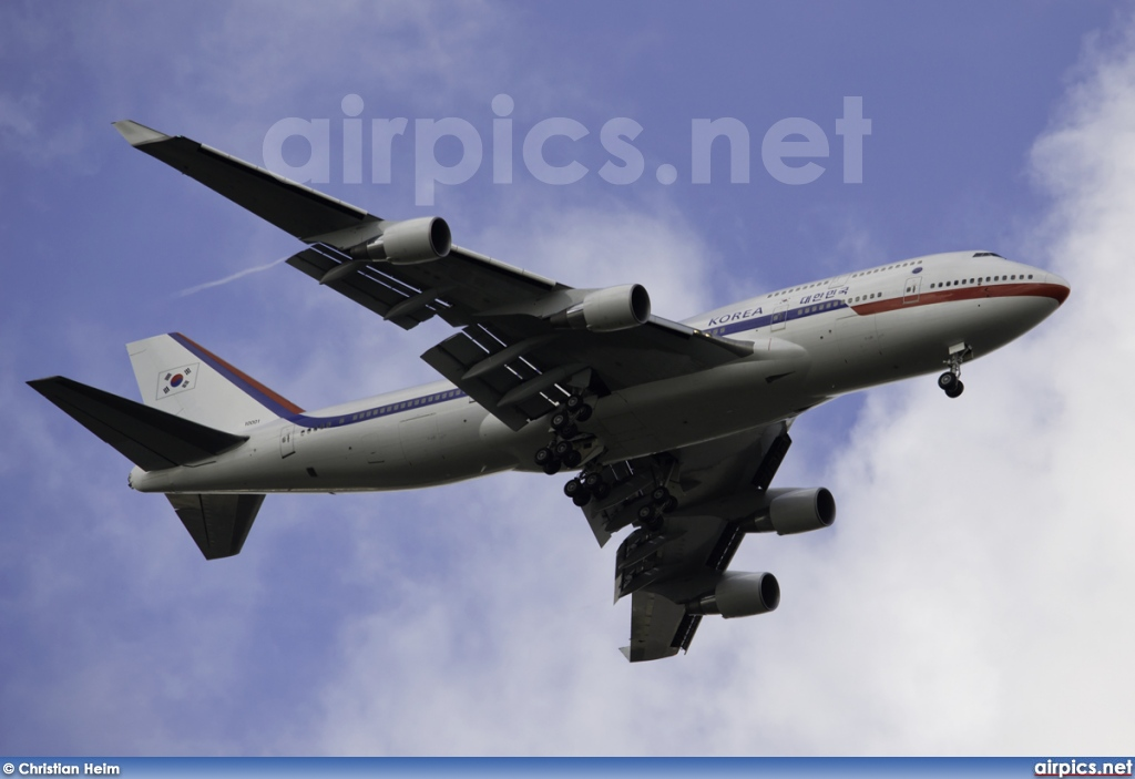 HL7465, Boeing 747-400, Korean Government