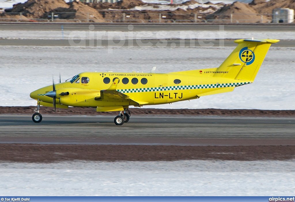 LN-LTJ, Beechcraft B200GT King Air, Lufttransport
