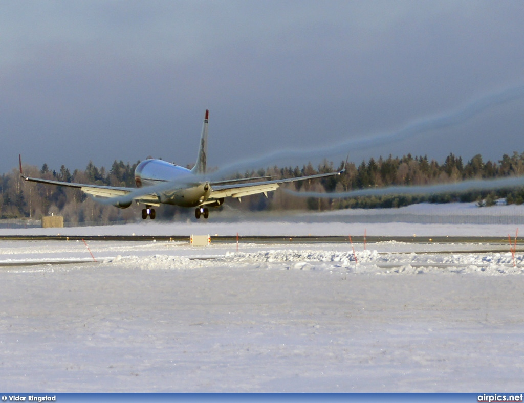 LN-NOJ, Boeing 737-800, Norwegian Air Shuttle
