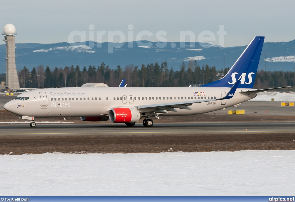 LN-RGD, Boeing 737-800, Scandinavian Airlines System (SAS)