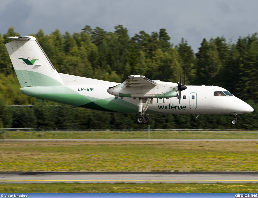 LN-WIR, De Havilland Canada DHC-8-100 Dash 8, Wideroe