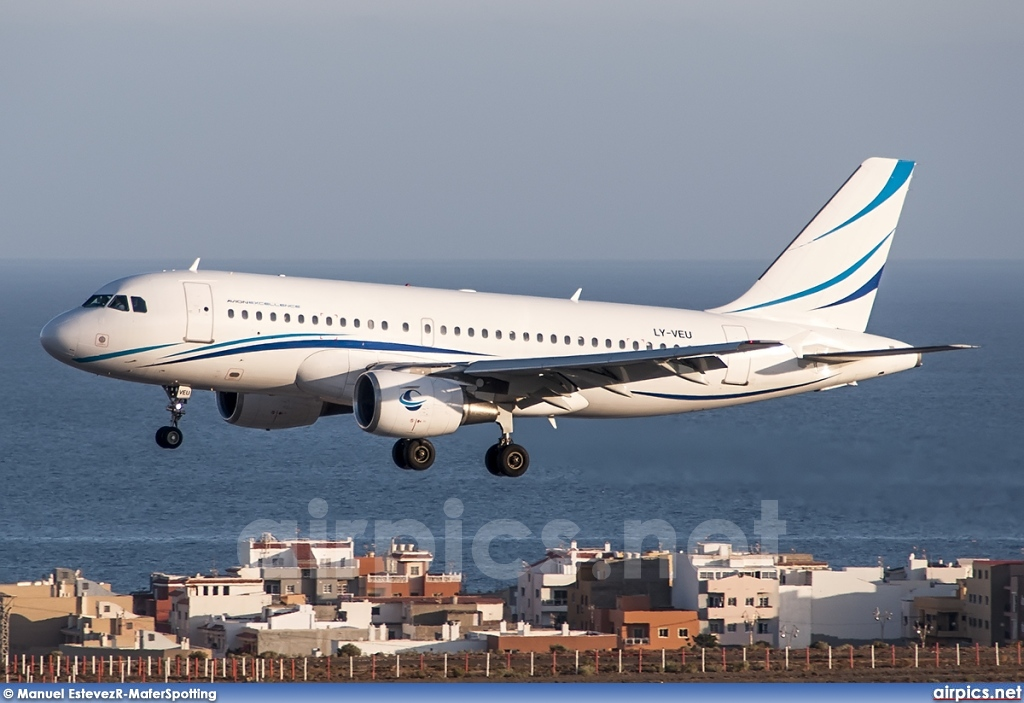 LY-VEU, Airbus A319-100, Avion Express