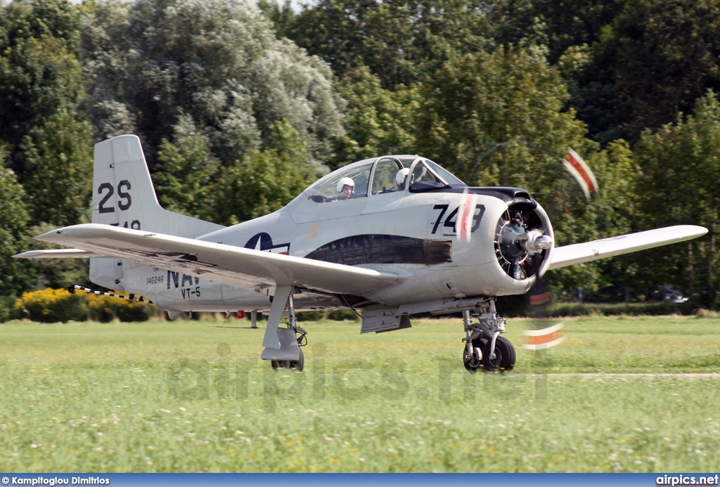 N2800M, North American T-28C Trojan, Private