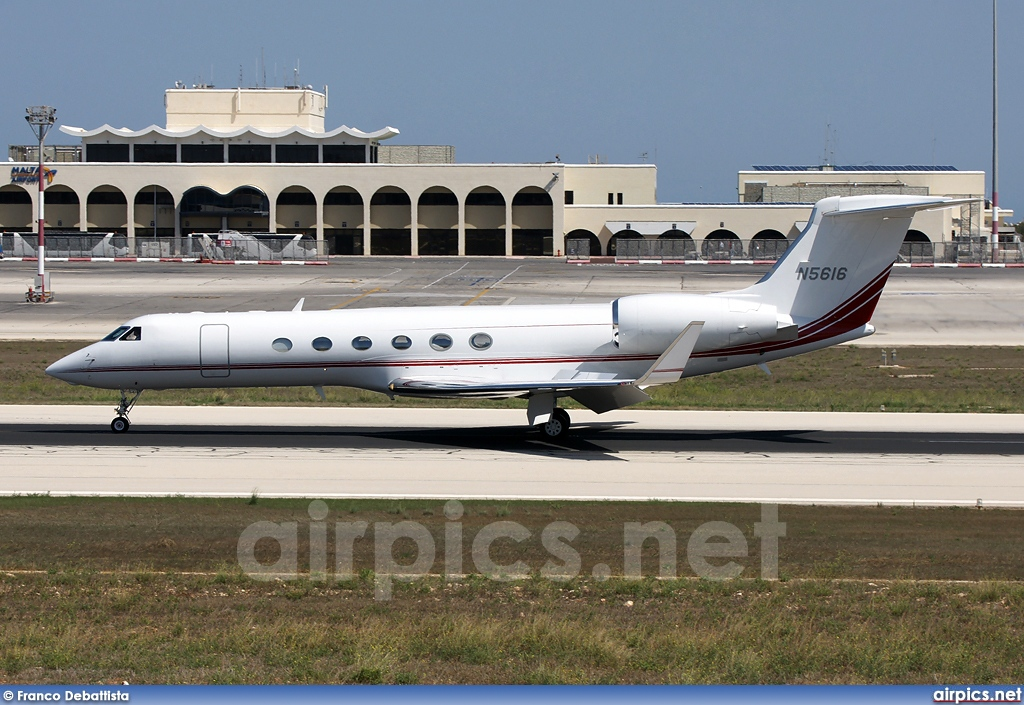 N5616, Gulfstream V, Private