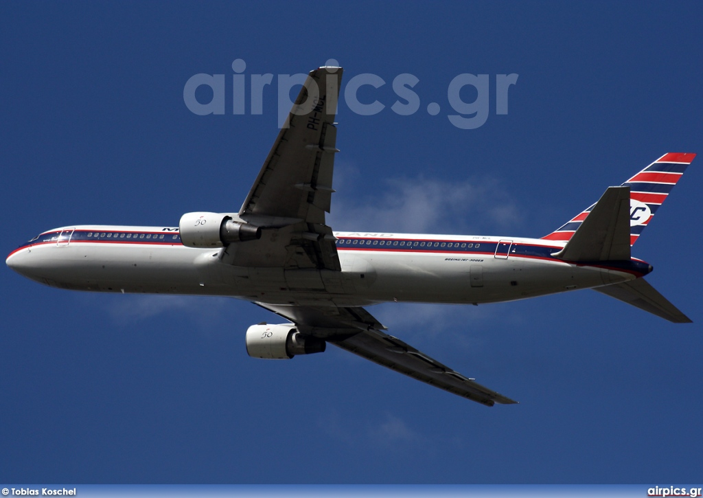 PH-MCL, Boeing 767-300ER, Martinair