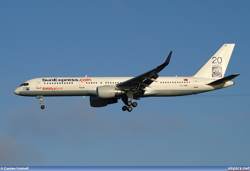 TC-SNC, Boeing 757-200, SunExpress