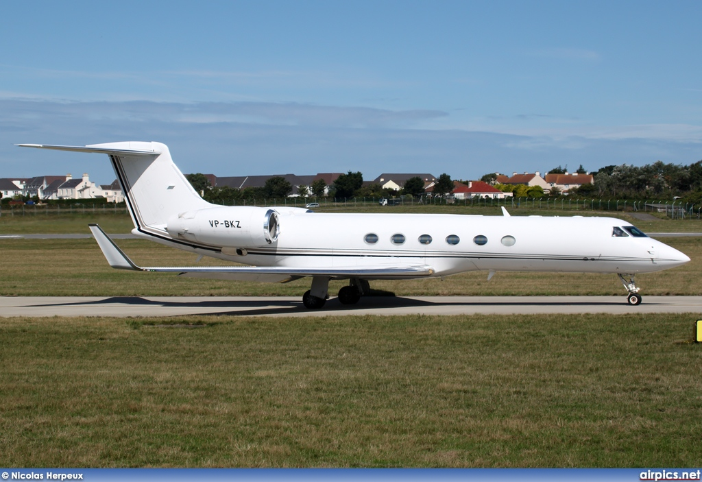 VP-BKZ, Gulfstream V, Untitled