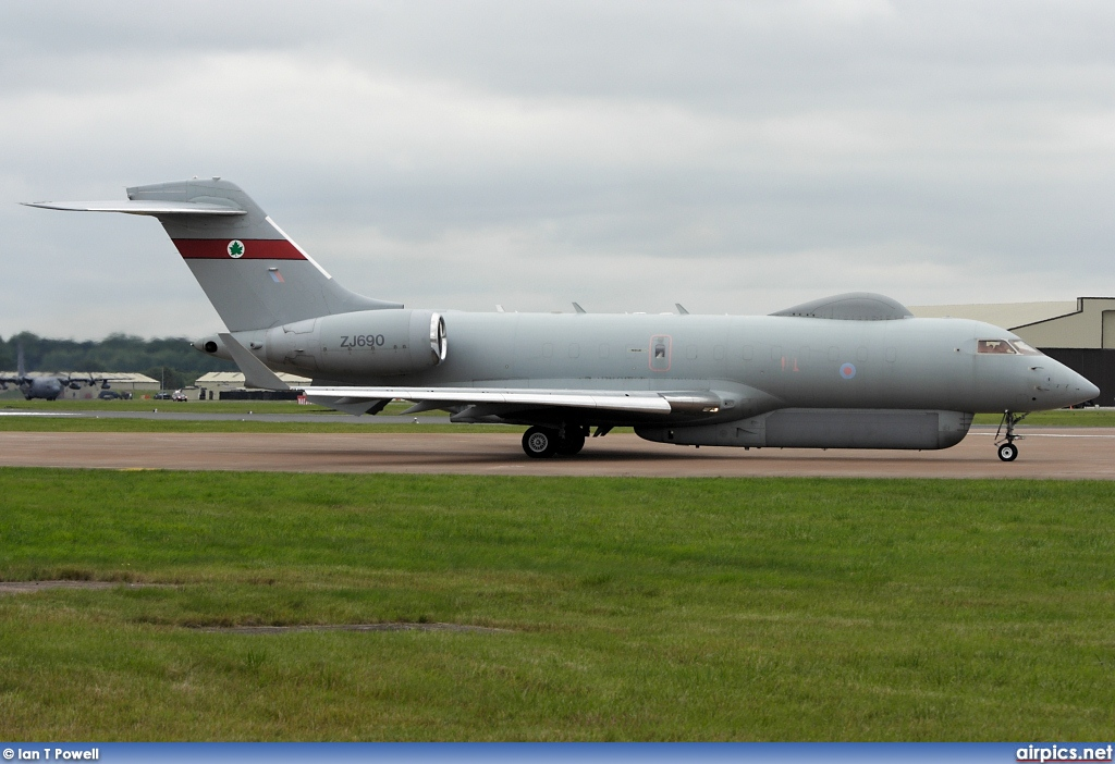 ZJ690, Bombardier BD-700R1 Sentinel, Royal Air Force