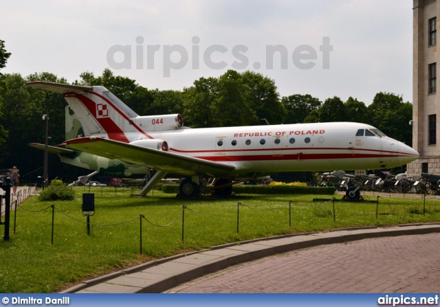 044, Yakovlev Yak-40, Polish Air Force