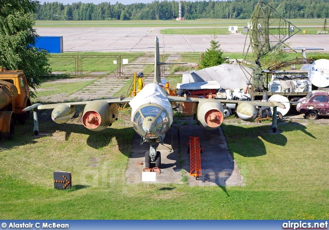 22, Yakovlev Yak-28R Brewer-D, Russian Air Force