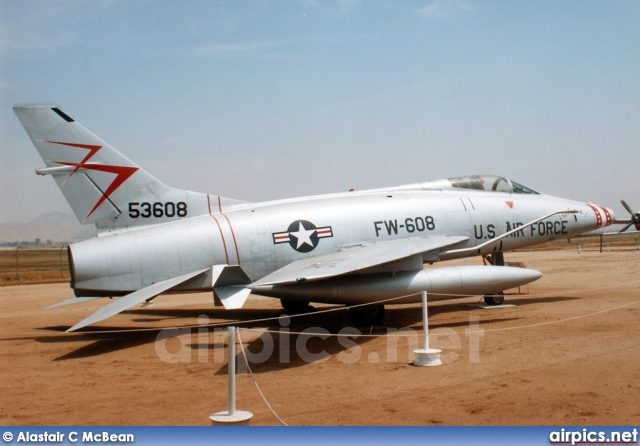 54-1786, North American F-100C Super Sabre, United States Air Force