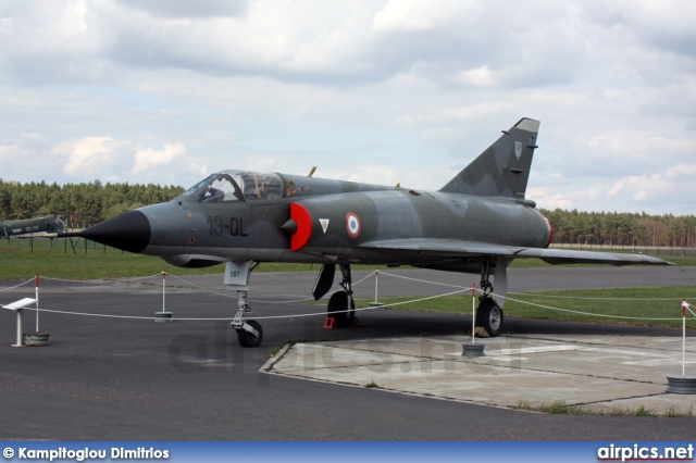 587, Dassault Mirage IIIE, French Air Force