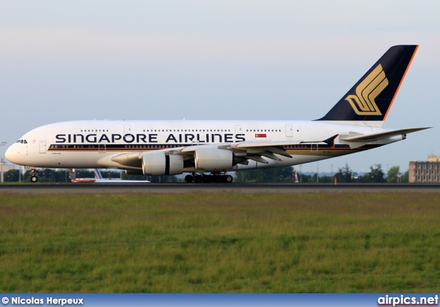 9V-SKJ, Airbus A380-800, Singapore Airlines