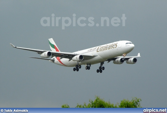 A6-ERT, Airbus A340-300, Emirates