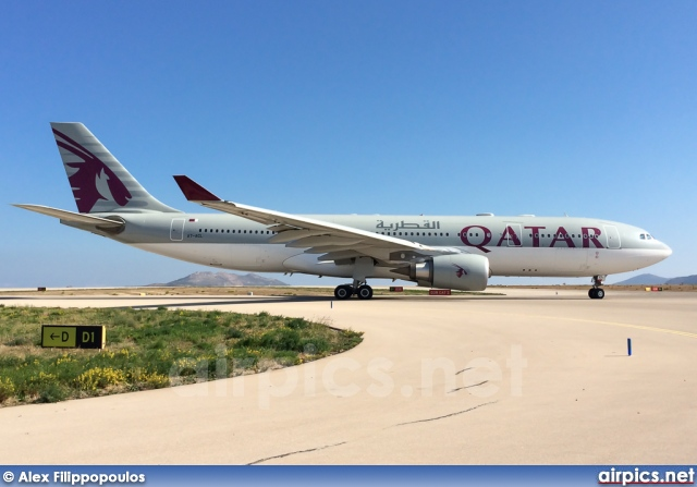 A7-ACL, Airbus A330-200, Qatar Airways