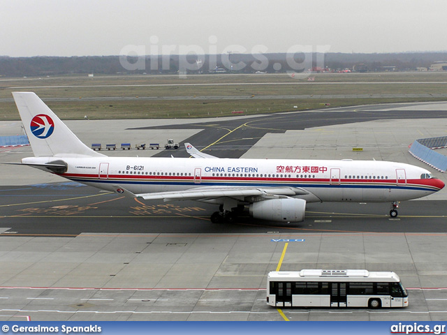 B-6121, Airbus A330-200, China Eastern