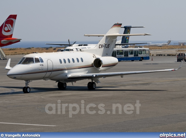 CN-TJS, Hawker 900XP, Private