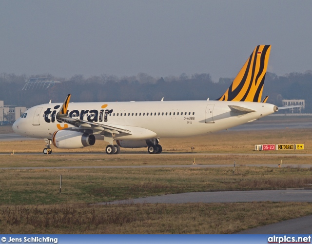 D-AUBB, Airbus A320-200, Tiger Airways