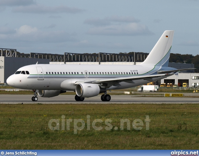 D-AVYR, Airbus A319-100CJ, Private