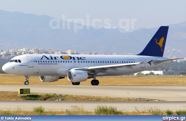 EI-DSR, Airbus A320-200, Air One
