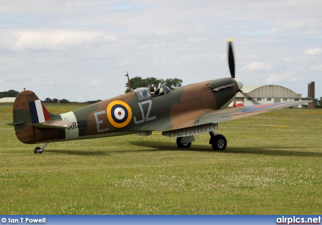 G-AIST, Supermarine Spitfire Mk.1A, Private
