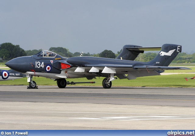 G-CVIX, De Havilland DH-110 Sea Vixen FAW.2, Private