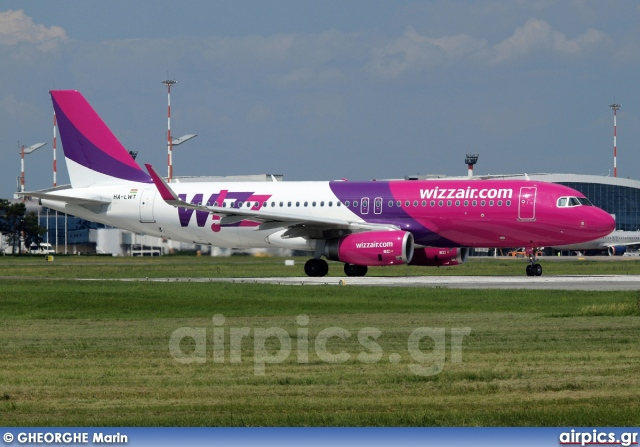 HA-LWT, Airbus A320-200, Wizz Air