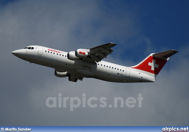 HB-IYT, British Aerospace Avro RJ100, Swiss International Air Lines