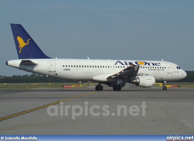 I-WEBB, Airbus A320-200, Air One
