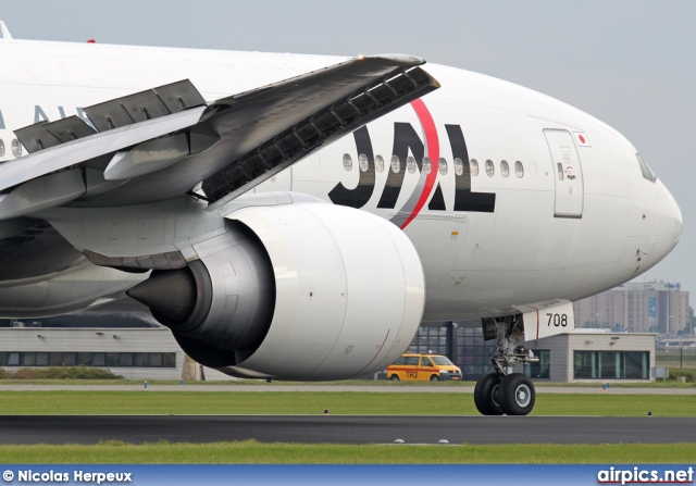 JA708J, Boeing 777-200ER, Japan Airlines