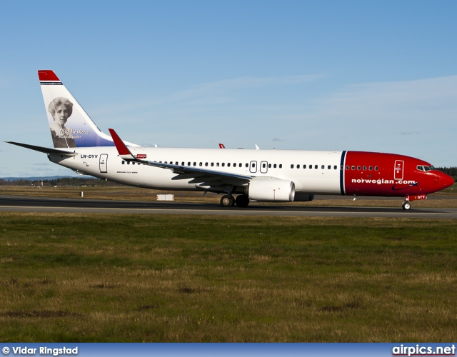 LN-DYV, Boeing 737-800, Norwegian Air Shuttle