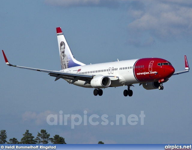 LN-DYZ, Boeing 737-800, Norwegian Air Shuttle