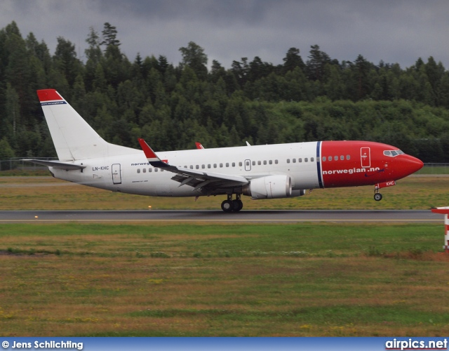 LN-KHC, Boeing 737-300, Norwegian Air Shuttle