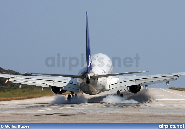 LN-TUH, Boeing 737-700, Scandinavian Airlines System (SAS)