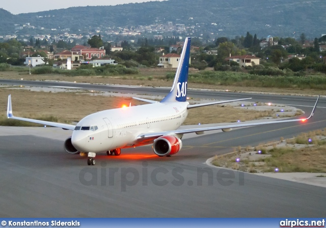 LN-TUL, Boeing 737-700, Scandinavian Airlines System (SAS)
