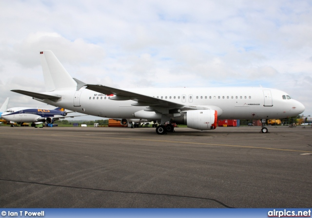 M-ABCS, Airbus A320-200, Untitled