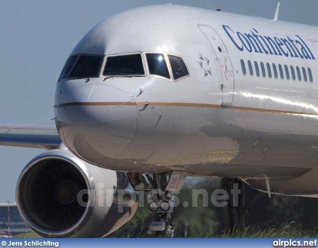 N12109, Boeing 757-200, Continental Airlines